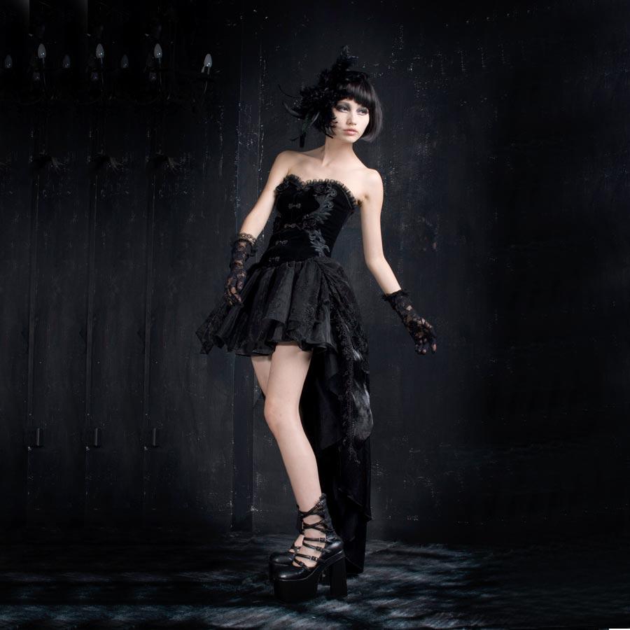 gothic lolita kleid mit corsage und schleppe voodoomaniacs. Black Bedroom Furniture Sets. Home Design Ideas