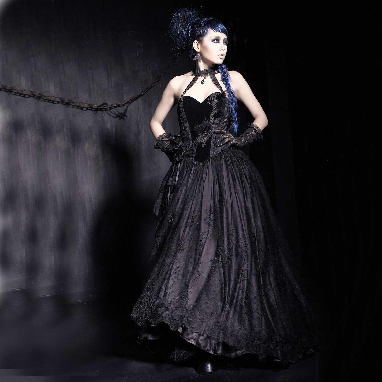 Schwarzes Hochzeitskleid mit Samt und Spitze   VOODOOMANIACS